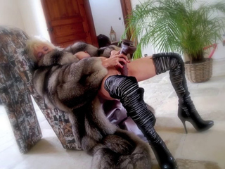 Vanessa in Furs & Boots 2014, Free Mature Porn 48 xHamster