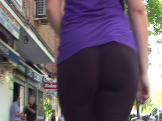 curvy booty pawg in tights